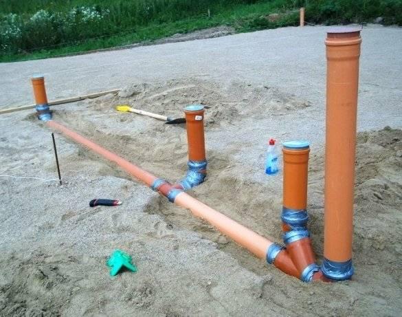 Ввод коммуникаций через фундаментную плиту - на стройке