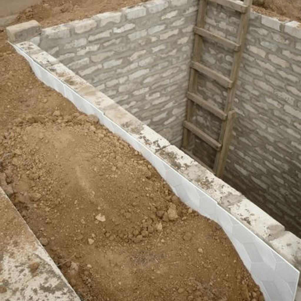 Укрепить стены подвала своими силами: частые ошибки укрепления