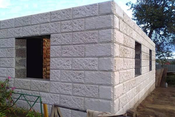 Монолитный жилой дом. плюсы и минусы монолитно-каркасного дома? стоит ли строить именно его