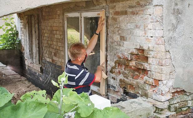 Делаем ремонт цоколя кирпичного дома своими руками