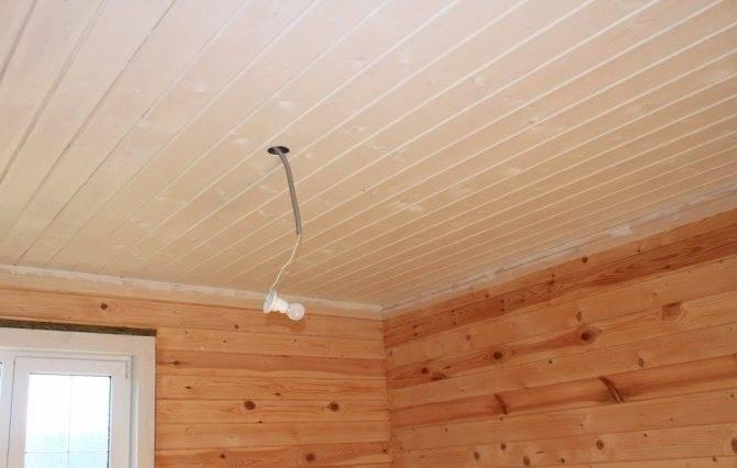 Как правильно покрасить фасад деревянного дома