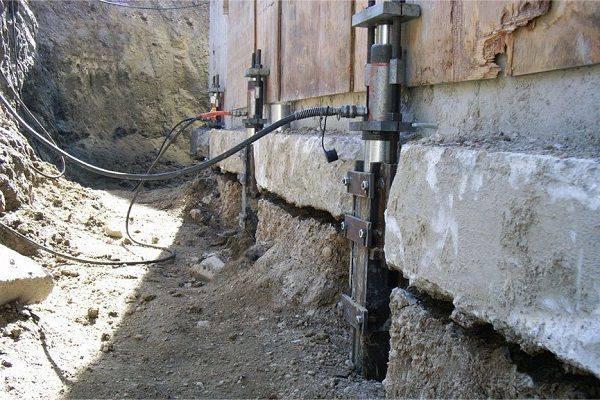 Как произвести ремонт ленточного фундамента своими руками, его восстановление и замена основания