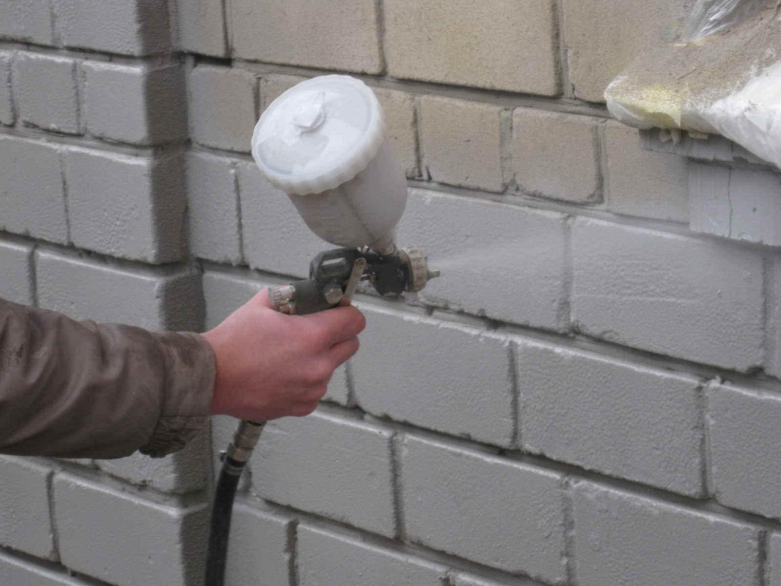 Как построить гараж из шлакоблоков. выбор места под строительство и размеров помещения. обустройство фундамента, стен, крыши и пола