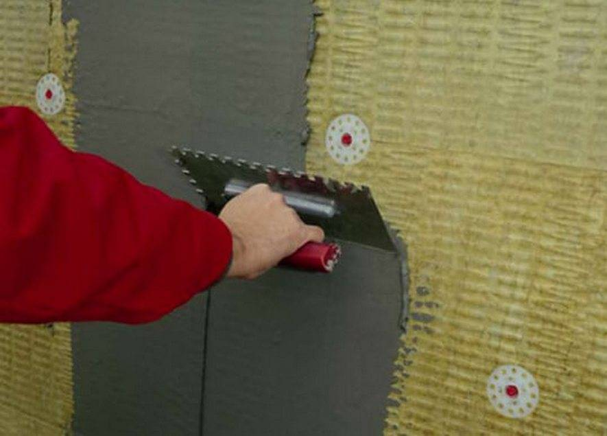 Нанесение штукатурки на пеноплекс: выбор смеси и этапы отделочных работ