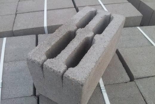 Виды бетонных блоков – классификация и применение. изделия из тяжелого бетона и конструкции из легких ячеистых блоков