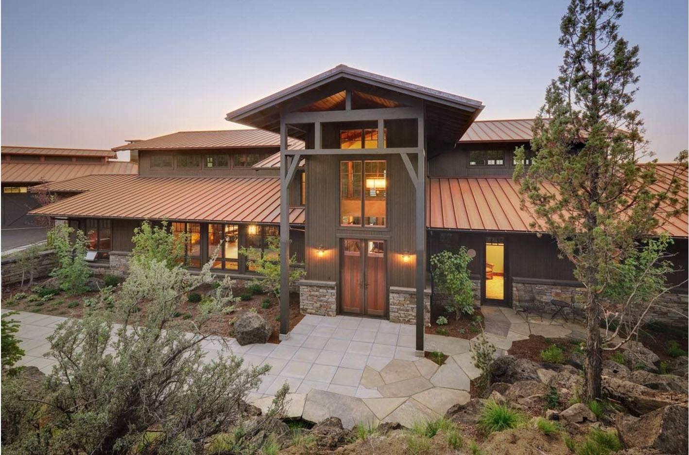 Крыши мансарды частных домов - возможные проекты, типы и варианты, фотографии и видео