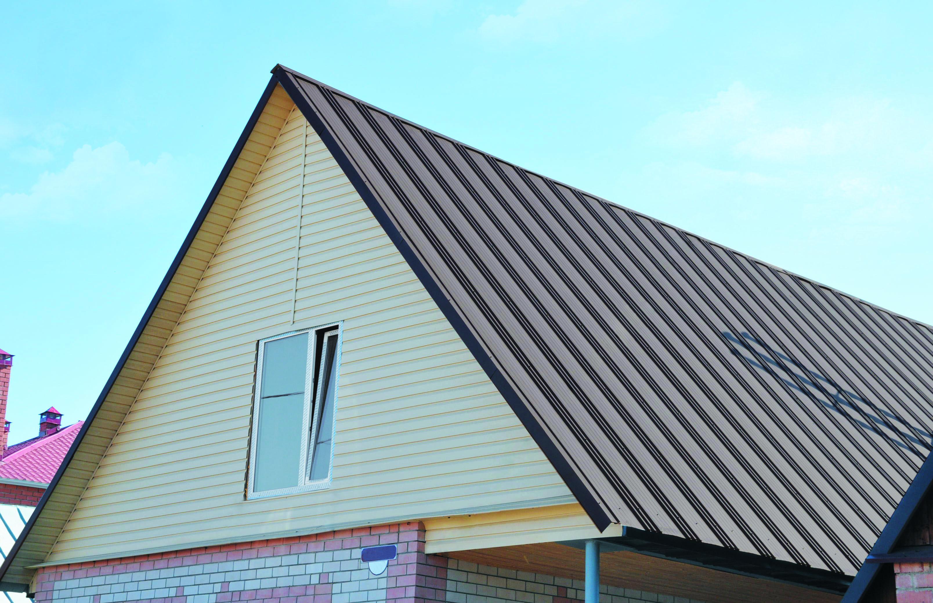 Какой использовать профнастил для крыши и как выбрать — видео, фото