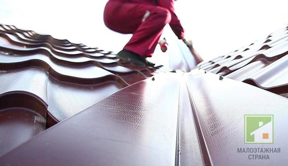 Камышовая крыша: преимущества, недостатки и технология изготовления