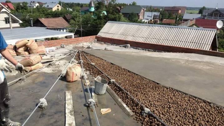 Утепление крыши керамзитом: как правильно сделать своими руками