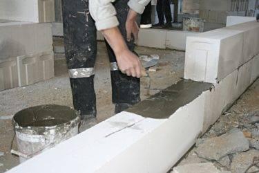 Стоимость кладки стен из пеноблоков: видео-инструкция по монтажу своими руками, технология, фото