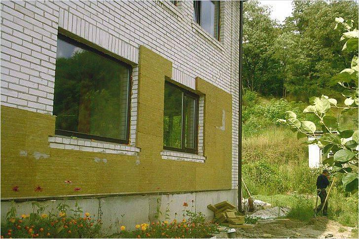 Особенности наружного утепления дома минеральной ватой