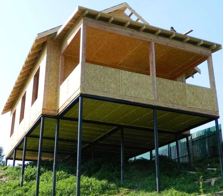 Деревянные сваи: применение при строительстве свайного фундамента, плюсы и минусы основания, строительство своими руками
