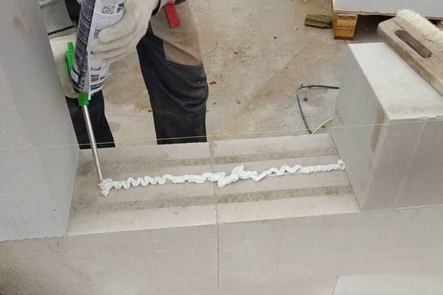 Пена или цементный раствор — для газобетонных блоков