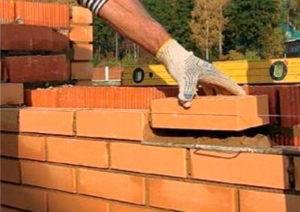 Как устроен цоколь из кирпича на ленточный фундамент: виды блоков, а также пошаговая инструкция по возведению