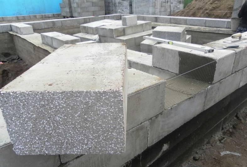 Как построить дом из полистиролбетона своими руками?