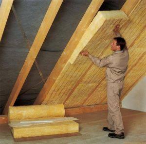 Профессиональная технология утепления крыши дома: подробная схема и инструкция по теплоизоляции кровли своими руками