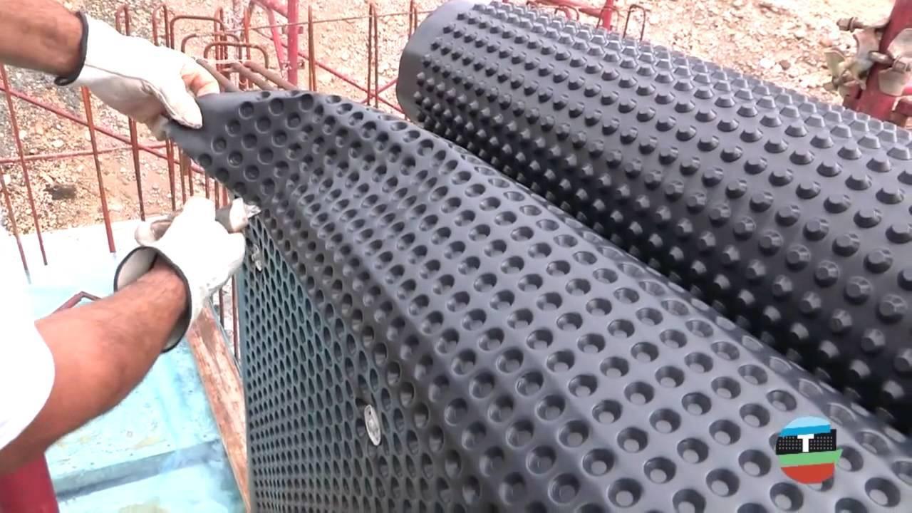 Виды и применение профилированных мембран для гидроизоляции фундамента