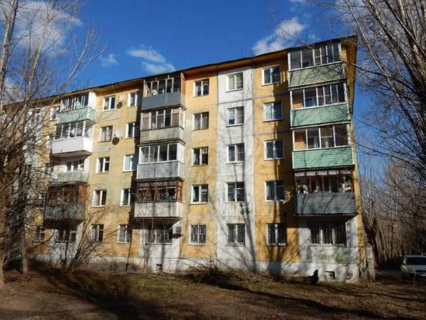Срок эксплуатации кирпичного многоквартирного жилого дома
