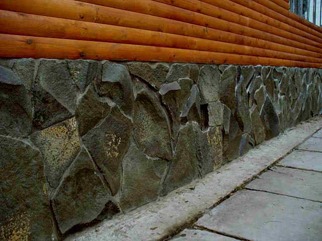 Искусственный камень для цоколя - виды, пошаговые инструкции по монтажу