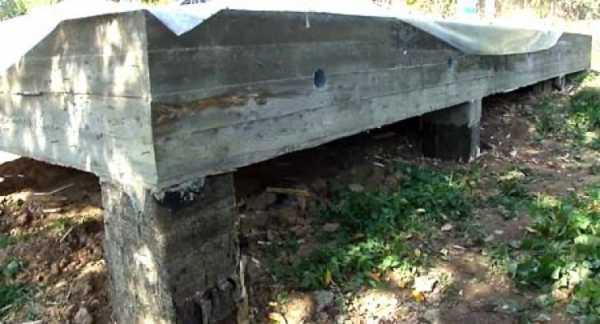 Фундамент на участке с уклоном своими руками