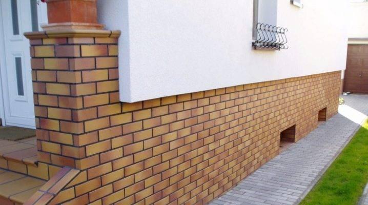 Что из себя представляет цокольная плитка для фасада + особенности ее укладки