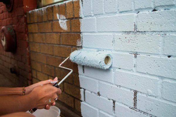 Фасадная краска по бетону для наружных работ: виды, выбор оптимальной смеси, технология окраски фасада