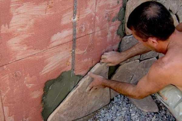 Технология отделки цоколя с помощью камня