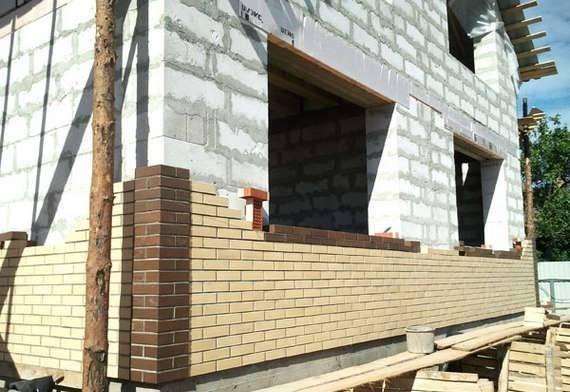 Чем штукатурить газобетон? 40 фото штукатурка стен снаружи и внутри дома или помещения, как выбрать состав для внутренних работ