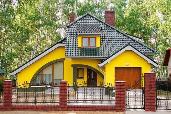 Краска по штукатурке: моющаяся для фасада и для внутренних работ, акриловая фасадная для дома, какой расход на 1 кв. м, покраска стен после оштукатуривания