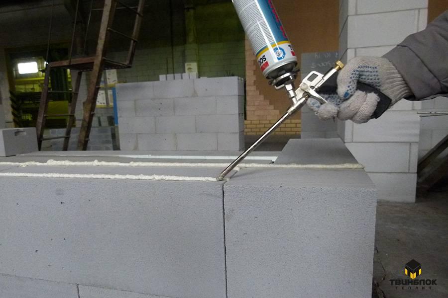 Полимерный клей-пена для газобетона тм титан: цена выбора и использования