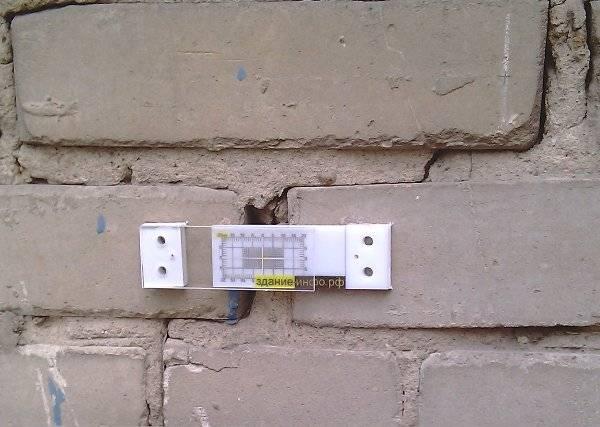 Что собой представляют перемычки на кирпичную стену, каково их минимальное и максимальное опирание?