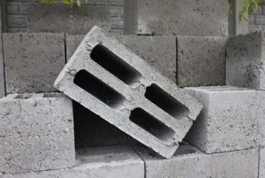 Толщина несущих и внутренних стен из керамзитобетонных блоков, отзывы строителей