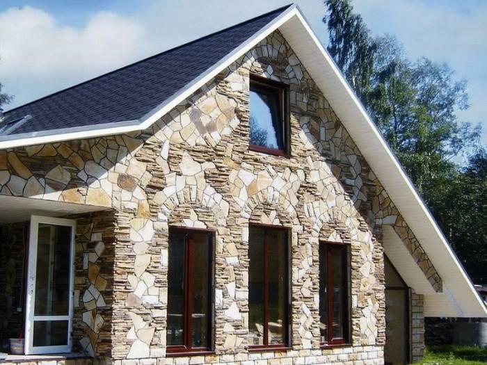 """Цокольный сайдинг """"под кирпич"""" (40 фото): обзор облицовочных материалов для жилых домов, виды и характеристики"""