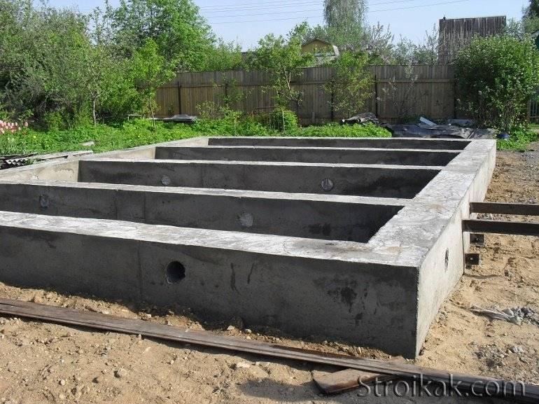 Как правильно заливать ленточный фундамент под дом? технология, материалы, этапы работ