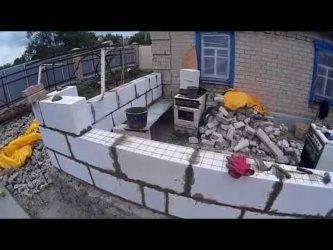 Как выполняется кладка пеноблоков на цементный раствор