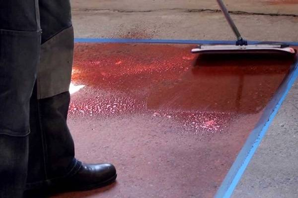 Краска для тротуарной плитки: особенности красителя и пигмента для брусчатки. чем покрасить плитку из бетона своими руками?