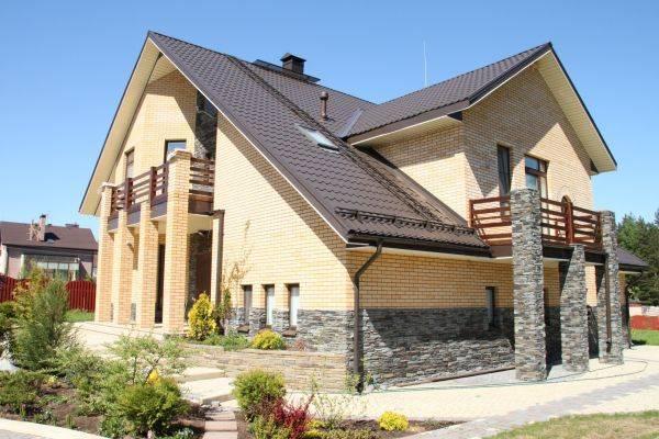 Фасады частных домов - современные идеи по оформлению, отделочные материалы для фасадов частных домов, фото