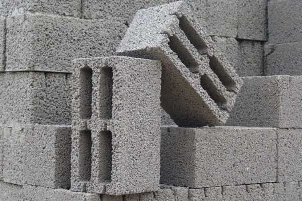 Дом из шлакоблока: сложности и ошибки при строительстве своими руками, составление проекта и фото примеров, пошаговая инструкция и особенности работ
