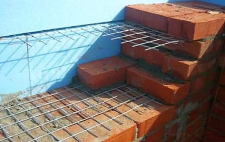 Как сделать армопояс из кирпича на стены из газоблоков?