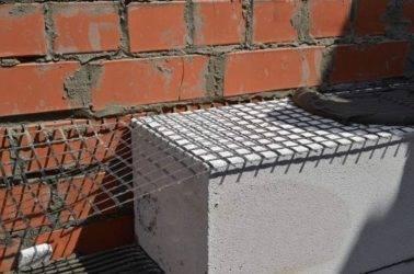 Базальтовая сетка: кладочная 25х25 и других размеров, строительная сетка для армирования и дорожная, штукатурная для кладки, ее применение
