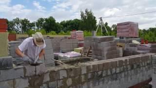 Кладка стен из керамзитобетонных блоков: способы и видеоинструкция