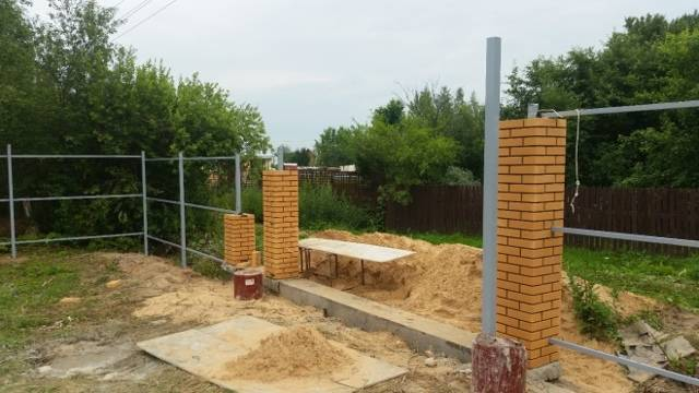 Установка кирпичного столба в москва по дешевой цене за работу под ключ