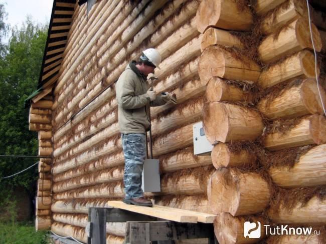 Инструкция, как конопатить дом из бруса, какие утеплители для этого лучше выбрать?