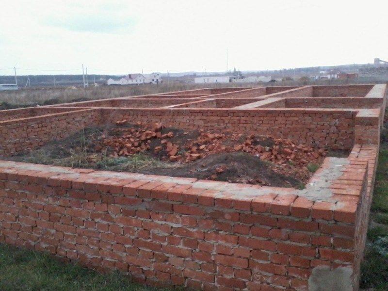 Фундамент из битого кирпича, применение при строительстве