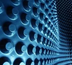 Профилированные мембраны: почему они оптимальны для защиты фундаментов, подвалов, крыш идорожек?
