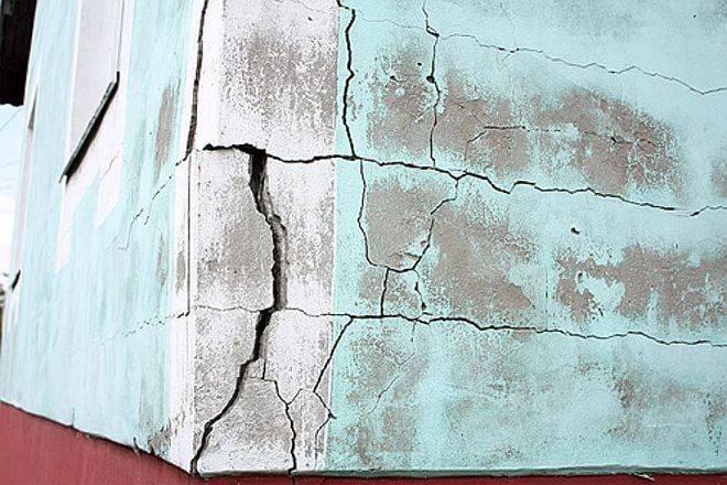 Реставрация штукатурки  причины появления дефектных мест - все про гипсокартон