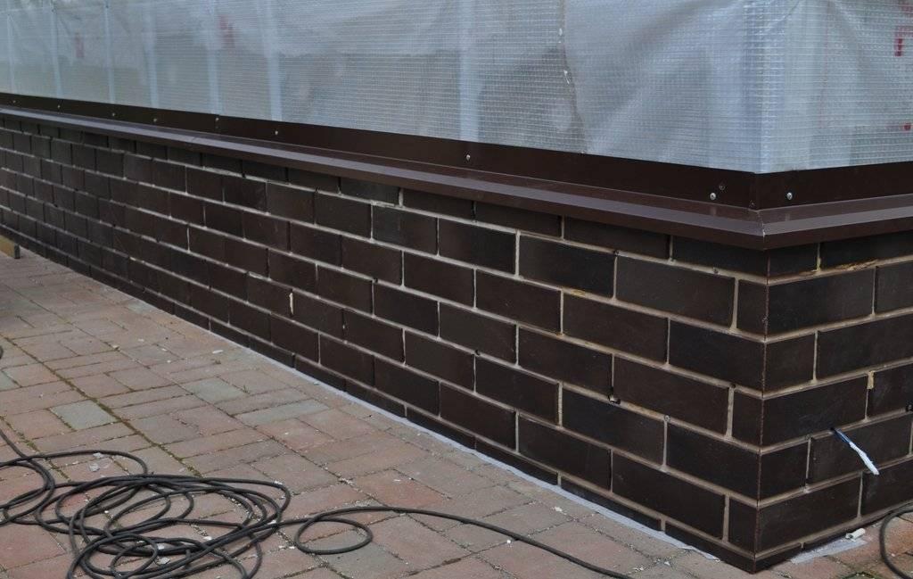 Клинкерная плитка для цоколя: плюсы и минусы материала для отделки фундамента дома, советы по выбору, инструкция по облицовке