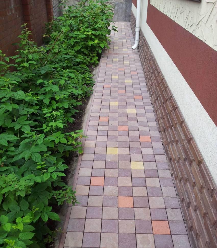 Как класть тротуарную плитку на бетонное основание-технология укладки своими руками