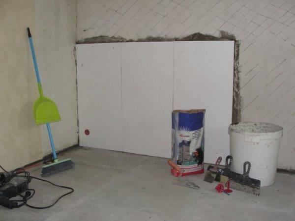 Как своими руками произвести утепление стен изнутри в квартире панельного дома?