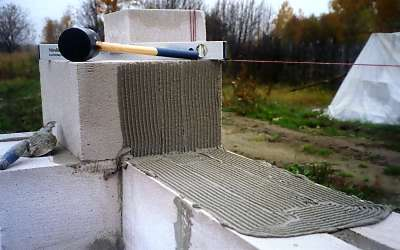 Кладка стен из пеноблоков технология